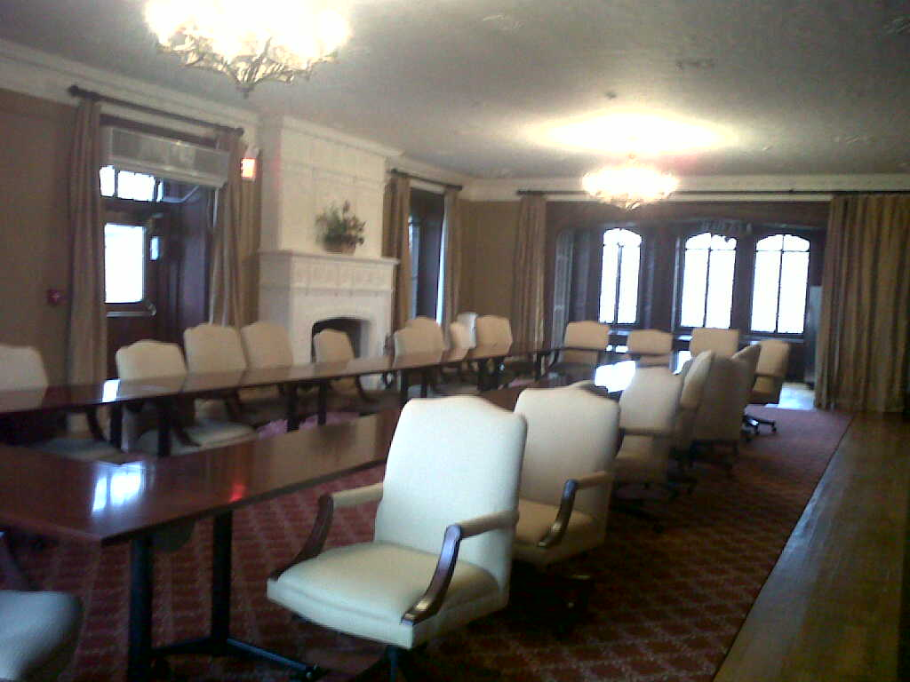 Conference Room - Mill Neck Manor